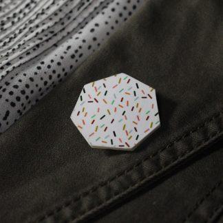 Broche maxi hexa- Motif Confettis, Blanc