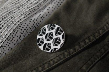 Broche maxi ronde - Motif Sylvia, Noir et blanc