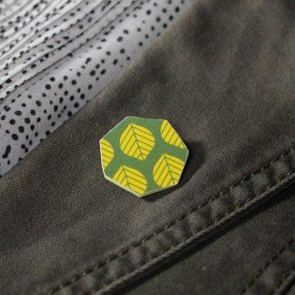 Broche mini hexagonale - Motif Sylvia, Jaune et vert