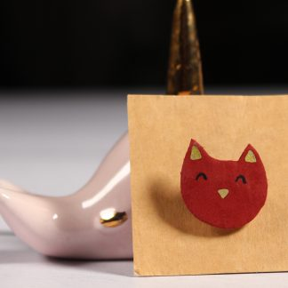 Broche en cuir chat